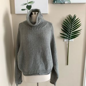 ANTHRO▪️Grey Knit Slouchy Turtleneck L Petite. LP